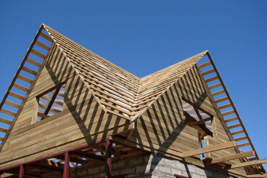 Как сделать ломаную крышу своими руками с карнизом и ендовой к ней 83